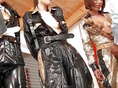 WAM Uniform Harlots cumswapping nach analsex
