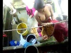 Bangla le donne cittadine desi lavano su Dhaka comune partitura HQ ( 5 )