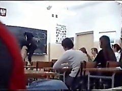 Nackt И.М. Klassenzimmer - Обнаженная на уроке