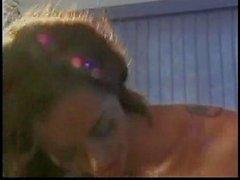 Mr 18 pollici e Donita Dunes (Tony Duncan, pollici neri)