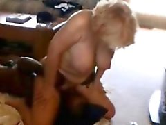 Esposa rubio maduras Facesitting interracial de