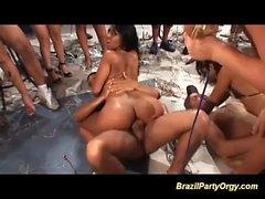 a caldo orgia di festa del sesso brasiliana