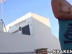Krakenhot - Voyeur video de una mujer madura desnuda al aire libre
