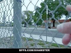 BFFS - Eğitmenler tarafından Fucked Azgın Futbol Kızlar