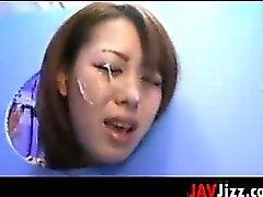 I pulcini di Giapponese a e Vecchie il viso