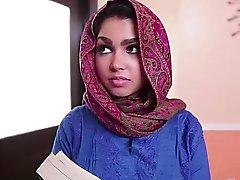 Busty Arabische jugendlich Ada wird hart gefickt