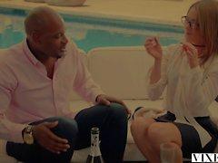 VIXEN Gorgeous agente imobiliário Kirsten Lee fode seu cliente