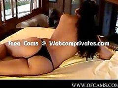 Dildo Befriedigung vor der Webcam .