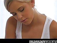 Massage förspel och orgasm för söt tonåring