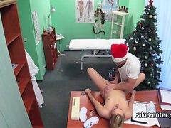Noel Baba'ya olduğu Doktor hastasını fucked