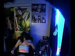 Девушка веселиться с вагину а грудей о скрытую камеру