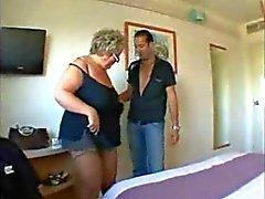Belle Femmes Rondes Mémé aux gros seins en Hard anal de
