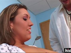 Pretty babe gets her pussy pounded