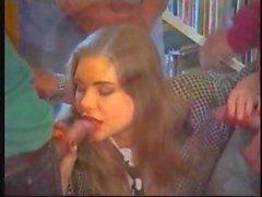 Сексуальное французский Babe In библиотеки