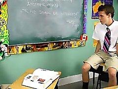 Scena gaia caldo di Dustin Revees e Leone pagina di 2 schoolboys st