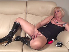Bulky Gazoo Matured Blond Drilling Her Cunt Using Toy Whilst Groaning