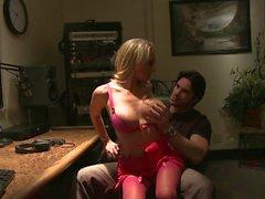 Эшли Пэйдж очень любит stting ей на чувак и 039s на коленях наслаждались хардкорный поставка против её стенкам