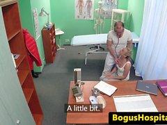 Любительский пациента трахавший европейской врач