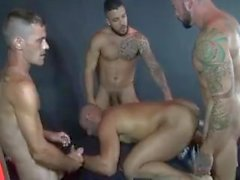 Porno gay gruppen Buzi