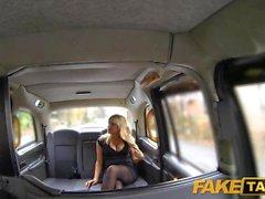 Fälschungs Taxis Überraschung Creampie amortisiert Taxi