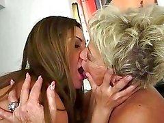 Tonåringar njuta av sex med tanter