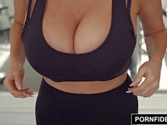 PornFidelity - Kelly Madison Cock Milking Morgen Routine