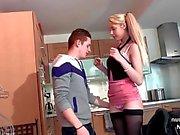 Hübsche Amateure französisch Teenager hart gefickt von ihrem Freund im