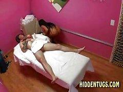 Sperma Articoli per la asiatici Massaggi di una ragazza