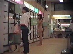 JP Hidden cam locker room - 1 de 3