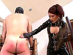 Misstress la tortura ha un bastone