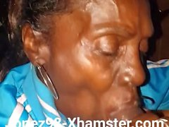 Cabeza de abuelita negra