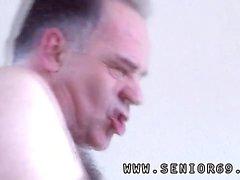 Alte Frauen haarig masturbieren und kleine alte Spunkers Die