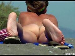 Любительская сексуальная волосатая киска Milfs Beach Voyeur SpyCamera