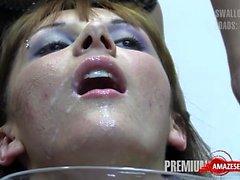 Hot pornstar bukkake mit abspritzen