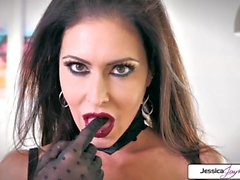 Jessica Jaymes mostra sua bunda apertada, peitos grandes e boceta molhada