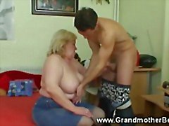 Grandmother голодны для крана