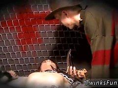Enorme ereto preto galo galeria gay primeira vez Roxy Red wakes