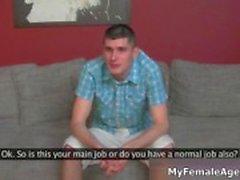 Guy saa kiimainen haastattelussa