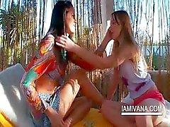 Lesbische tieners maken uit