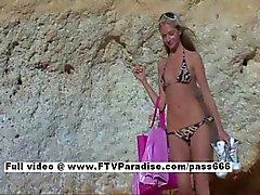 Suzanna från ftv babes långa hår blond tonåring tjej onanerar på stranden