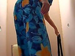 Antigo BBW- da avó assume do galo a Toalete 2.