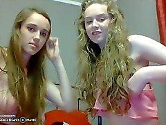 Dwie nastolatki rozebrane faire naga