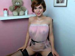 Sexy Dessous gekleidete blonde Katie Kay-Streifen zu masturbieren