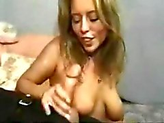 Sommige mooie gezichten krijgen bedekt met hete kleverige cum gecompileerd in deze clip