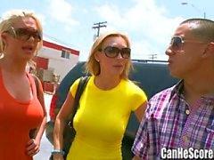 Phoenix Marie en Tanya Tate double date BJ bij de Sex Shop