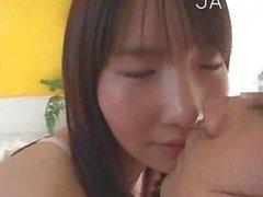 que es una nena asia linda que mira impresionante