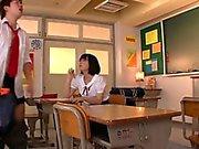 Estudante asiática gozo espirrou