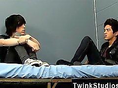 Follada Gay de Tyler Tornillo y Jason Alcock encuentran en prisión juntos.