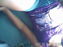 hermosas piernas de una a Nena en la combinata