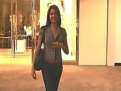 Ftv girlShylapetite mooi meisje openbare knipperen tieten